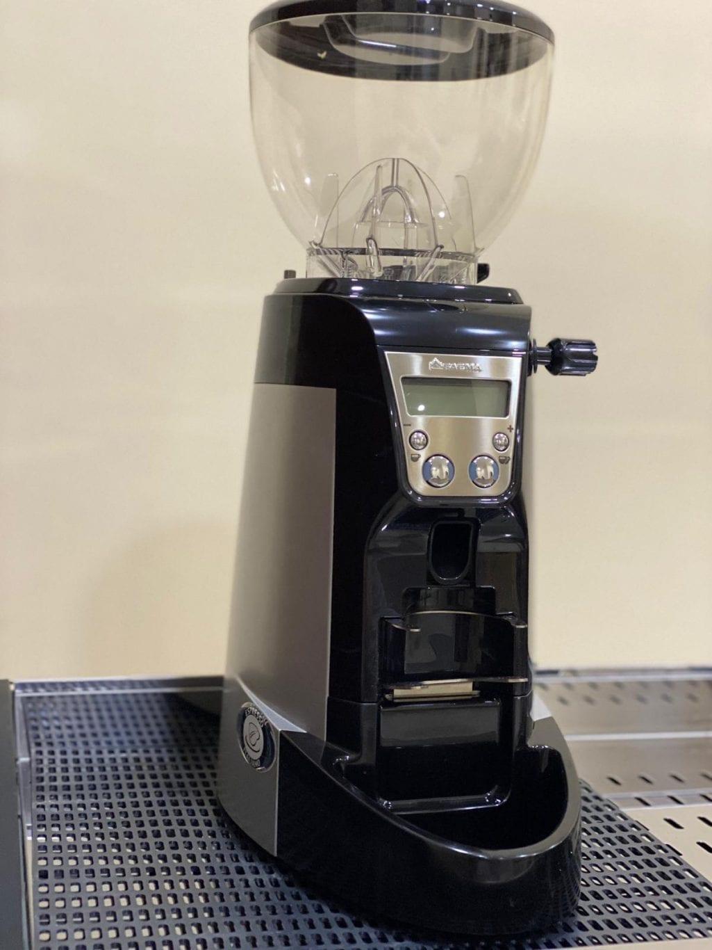 مكينة قهوه و اله مطحونه