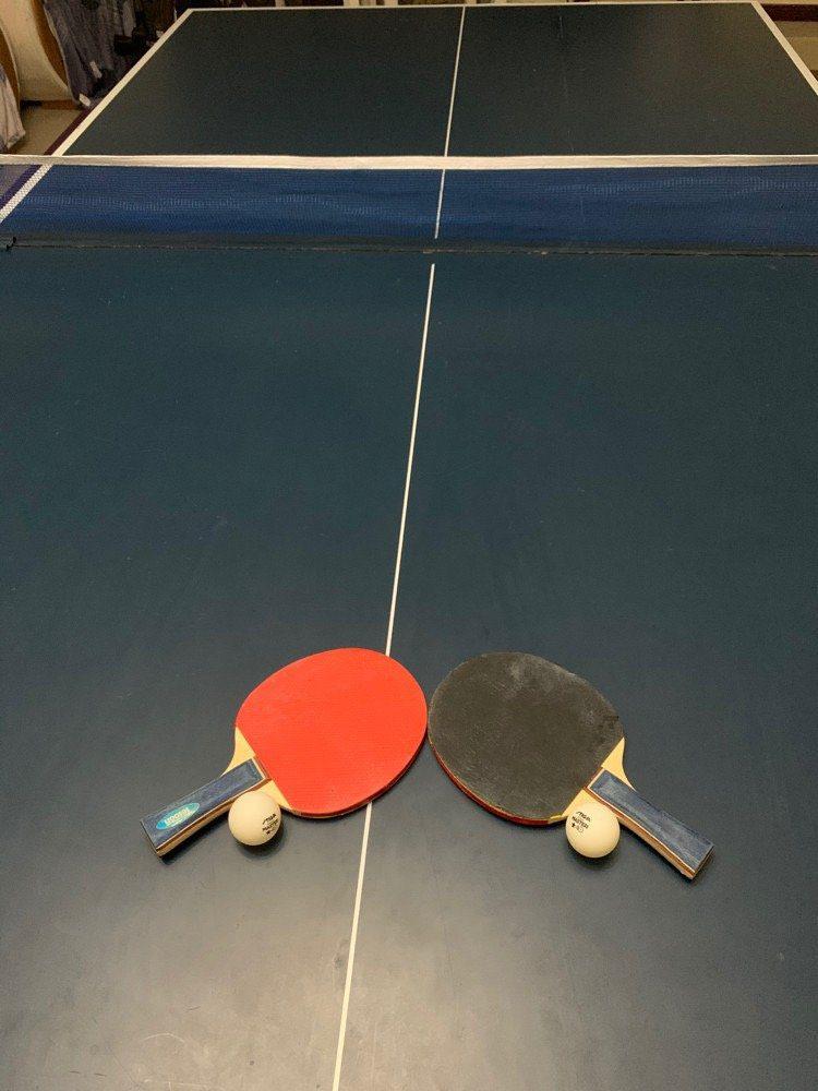 Bing pong table