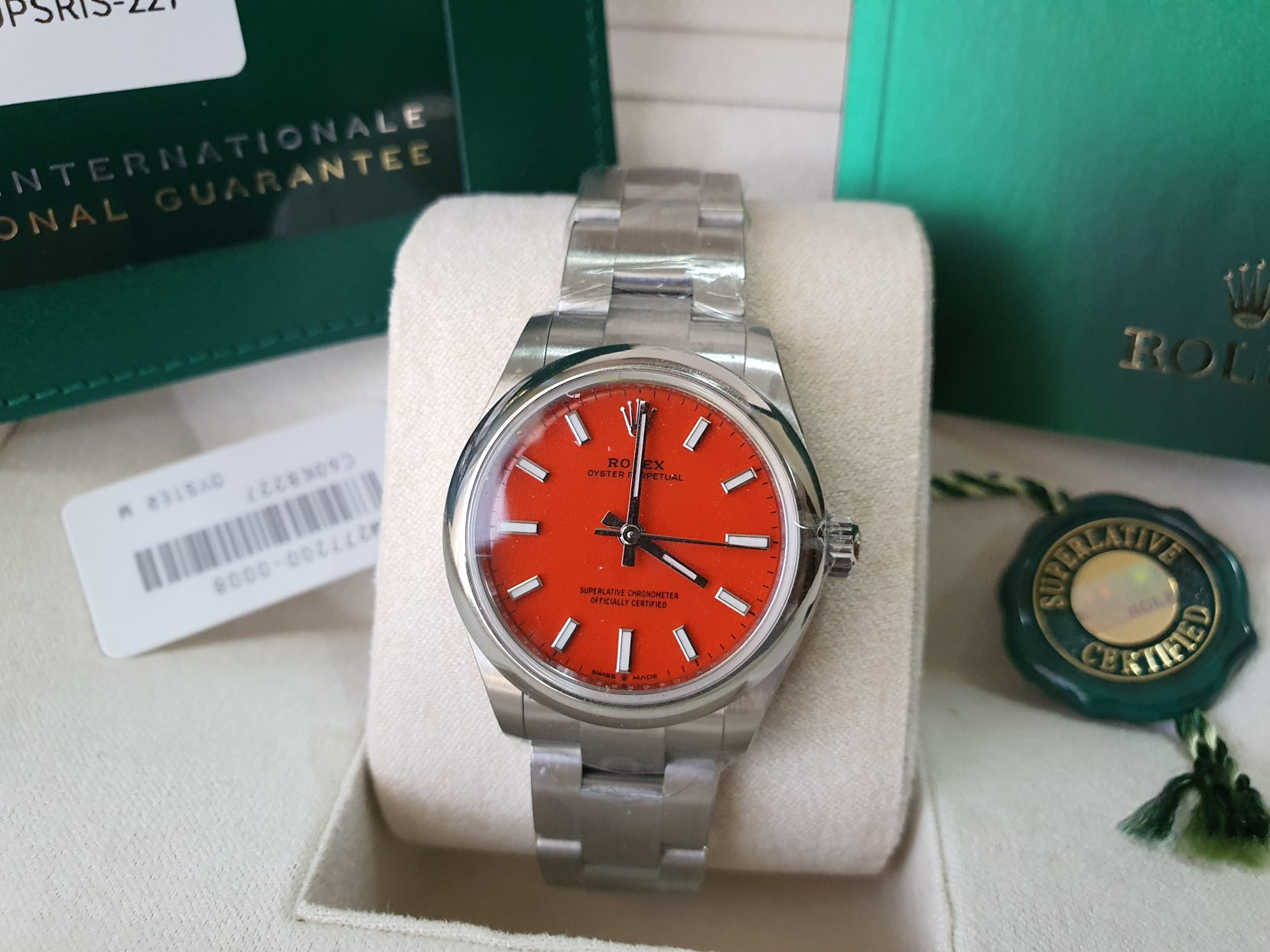 Rolex Oyster perpetual red 31mm