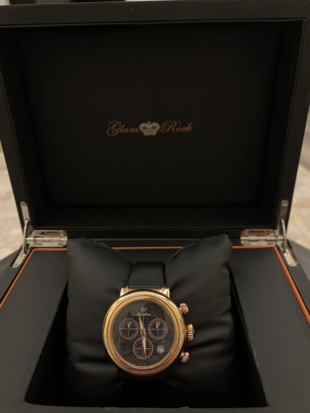 للبيع ساعة اصليه جديده
