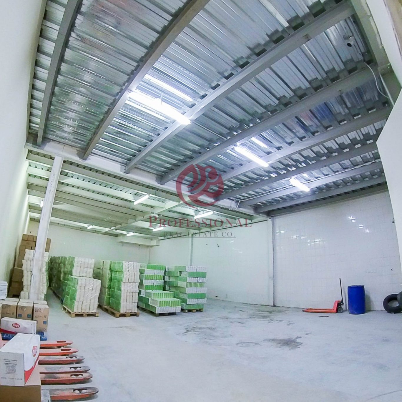Unfurnished, 730sqm Warehouse in Industrial Area