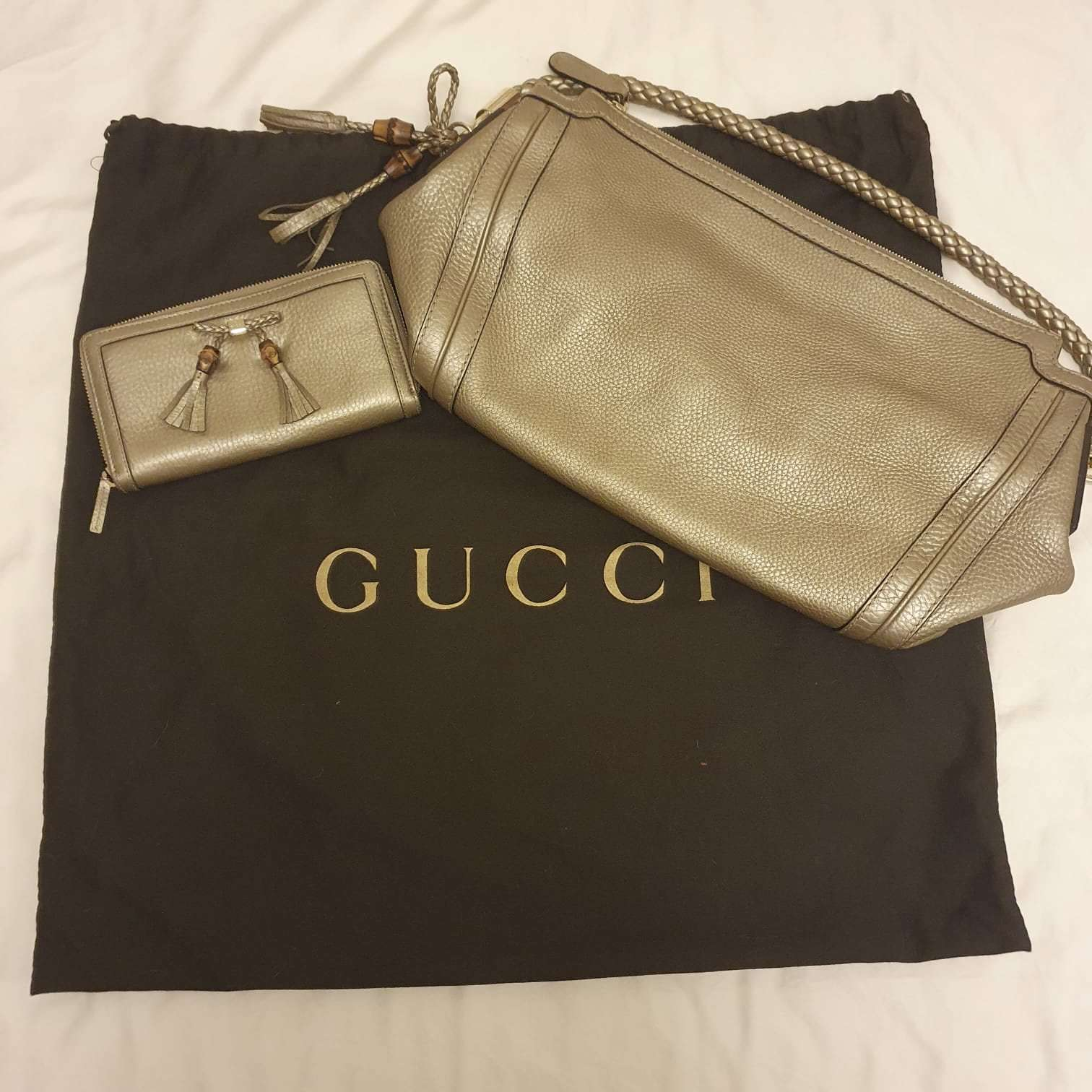 Matching Gucci handbag and purse