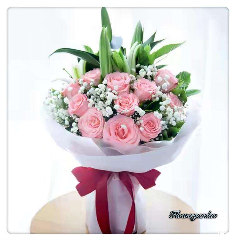 Pink rose and white lily bouquets