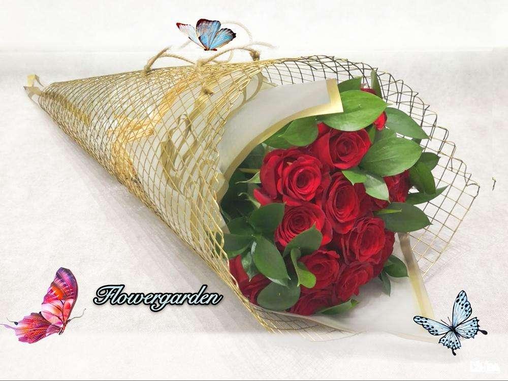 Full of Love Red Roses