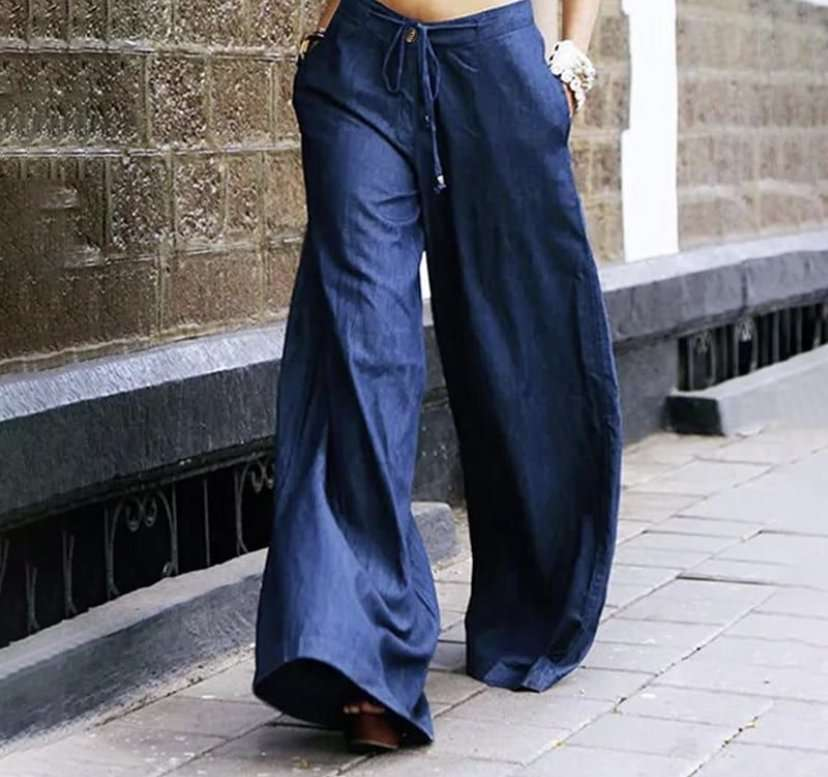 Light and wide cotton jeans,